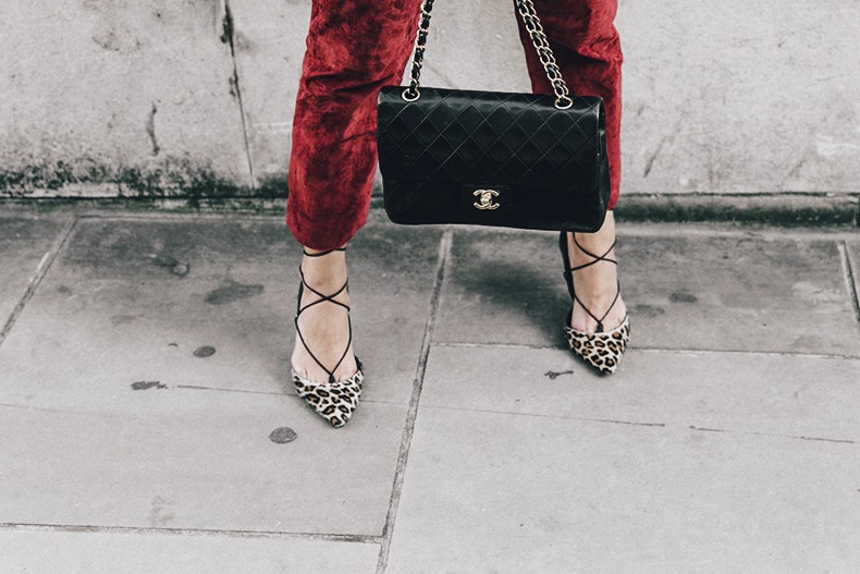 Topshop_unique-Burgundy_Suede_Trousers-Sandro_Jacket-Leopard_Shoes-Outfit-London-LFW-Street_Style-30