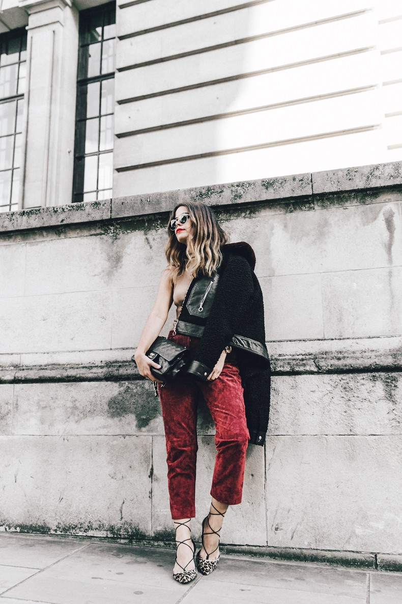 Topshop_unique-Burgundy_Suede_Trousers-Sandro_Jacket-Leopard_Shoes-Outfit-London-LFW-Street_Style-4