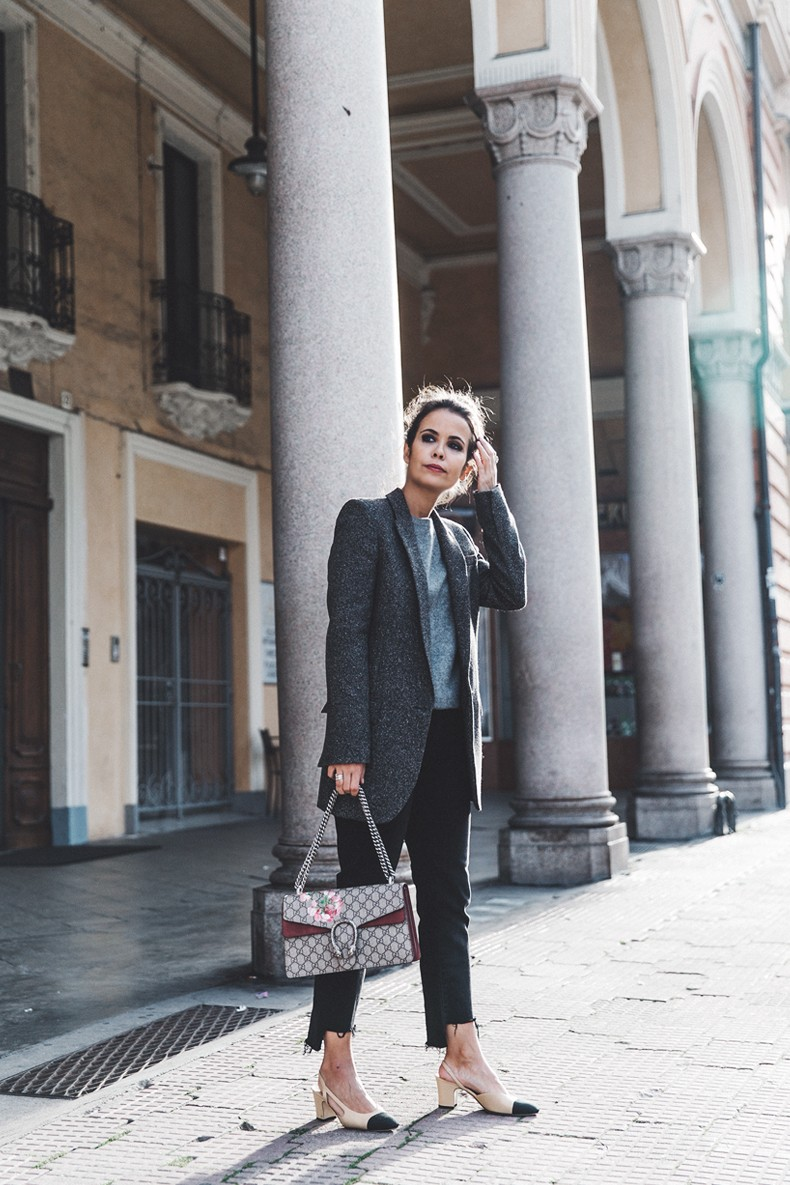 Cuneo_Italia-GRey_Blazer-Levis_Serie_700-Chanel_Shoes-Gucci_Dionysus-Black_Jeans-Outfit-Topknot-Street_Style-Collage_Vintage-20