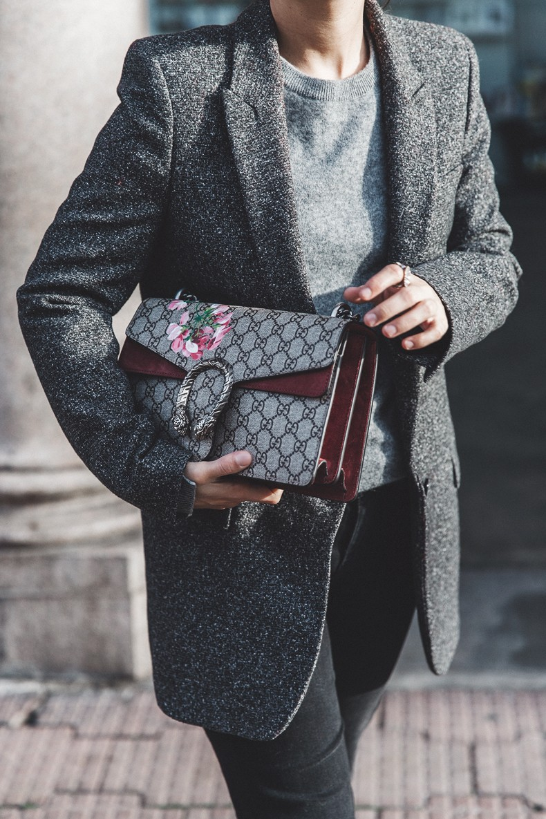 Cuneo_Italia-GRey_Blazer-Levis_Serie_700-Chanel_Shoes-Gucci_Dionysus-Black_Jeans-Outfit-Topknot-Street_Style-Collage_Vintage-27