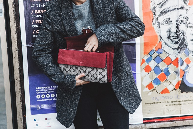 Cuneo_Italia-GRey_Blazer-Levis_Serie_700-Chanel_Shoes-Gucci_Dionysus-Black_Jeans-Outfit-Topknot-Street_Style-Collage_Vintage-42