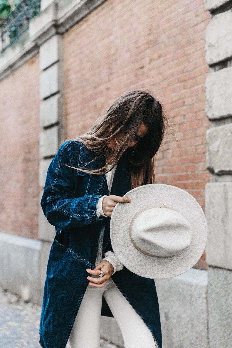 Denim_Coat-White_Outfit-GRey_Hat-Lack_OF_Colors-Sneakers-Outfit-Street_Style-11