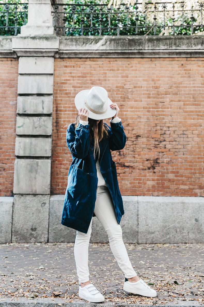 Denim_Coat-White_Outfit-GRey_Hat-Lack_OF_Colors-Sneakers-Outfit-Street_Style-13