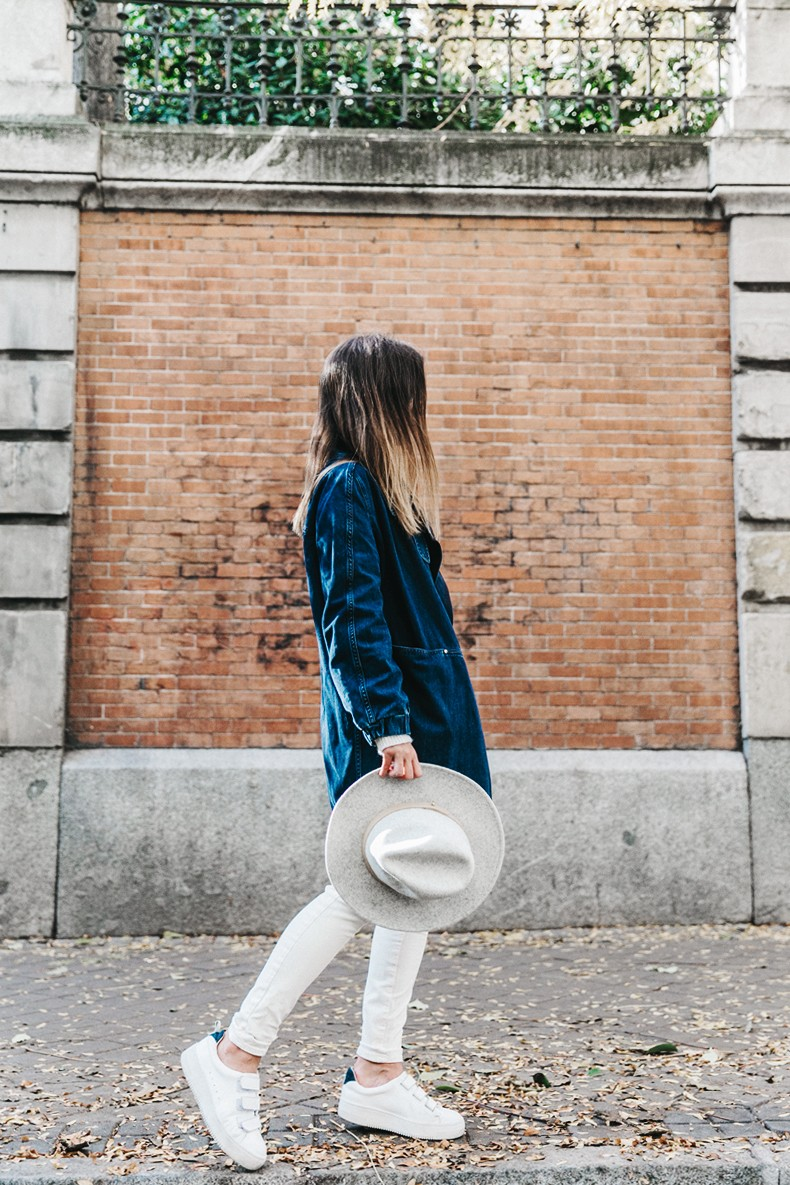 Denim_Coat-White_Outfit-GRey_Hat-Lack_OF_Colors-Sneakers-Outfit-Street_Style-16