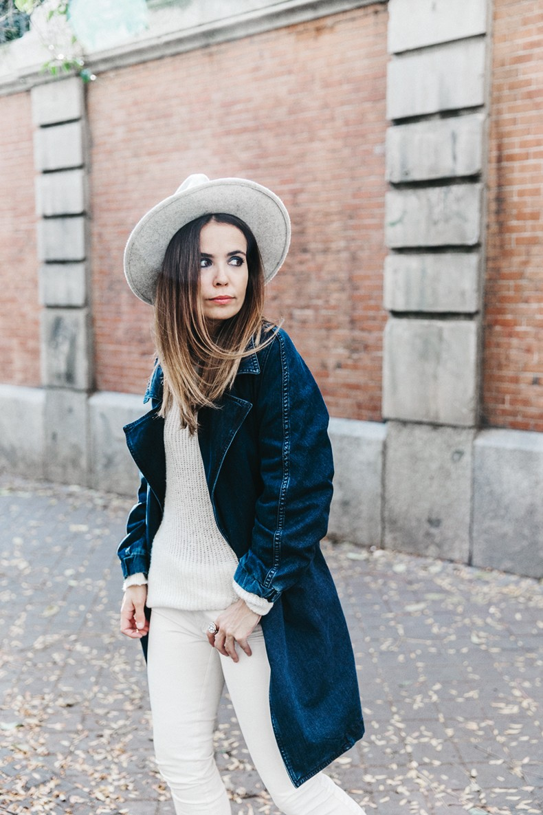 Denim_Coat-White_Outfit-GRey_Hat-Lack_OF_Colors-Sneakers-Outfit-Street_Style-22