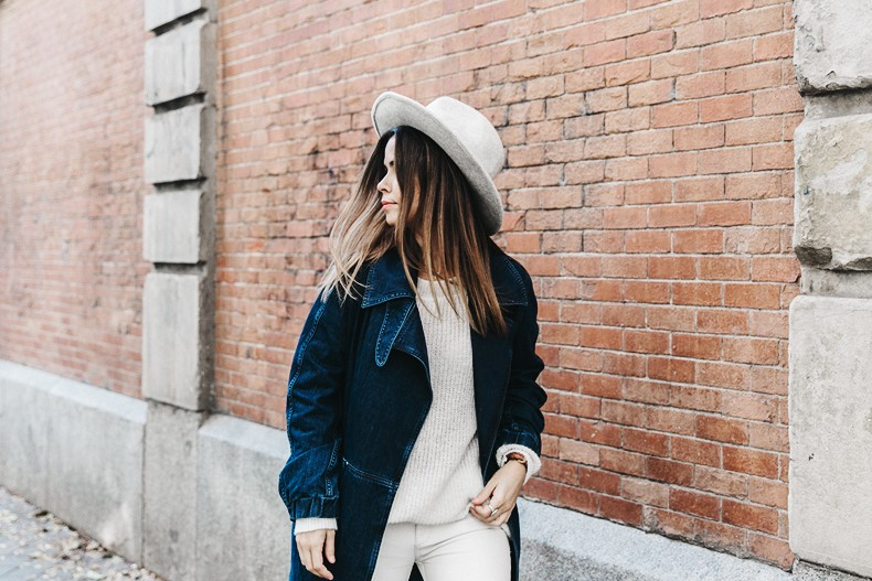 Denim_Coat-White_Outfit-GRey_Hat-Lack_OF_Colors-Sneakers-Outfit-Street_Style-40
