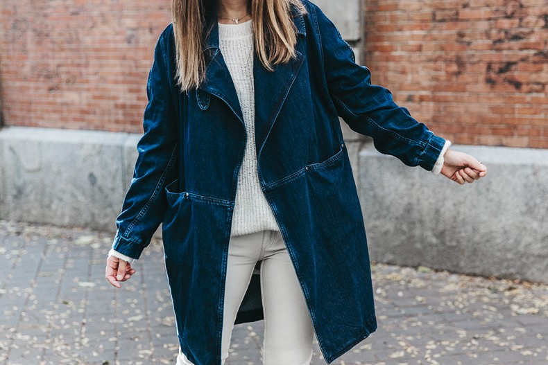 Denim_Coat-White_Outfit-GRey_Hat-Lack_OF_Colors-Sneakers-Outfit-Street_Style-49
