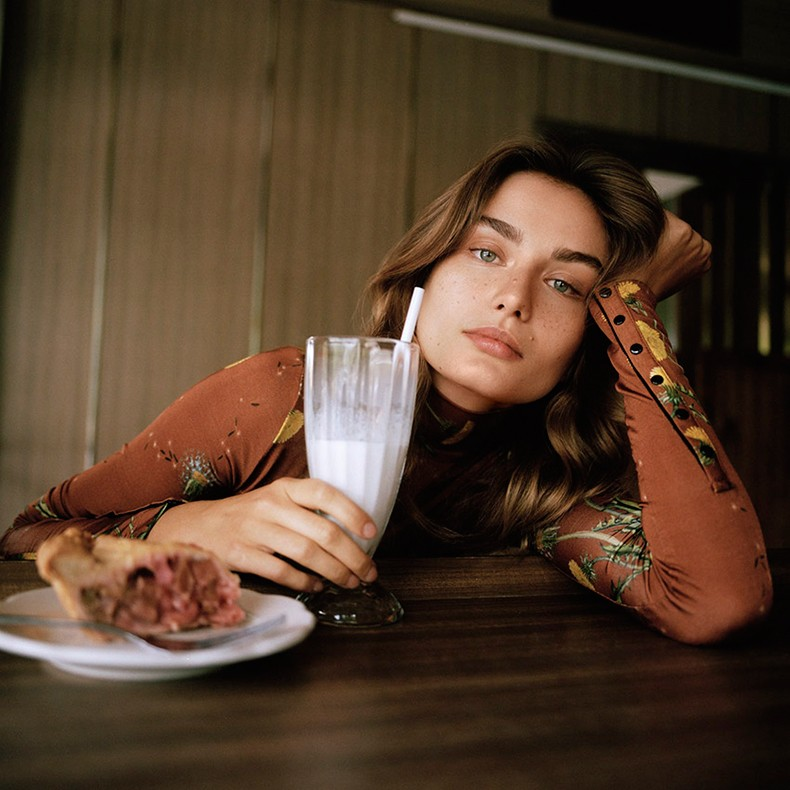 Editorial-Inspiration-Telegraph-Magazine-September-2015-Andreea-Diaconu-by-Dan-Martensen-Collage_Vintage-1