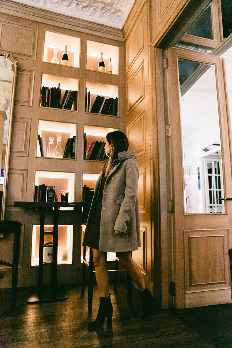 Fay_Double_Life-Coat-Night_Outfit-3