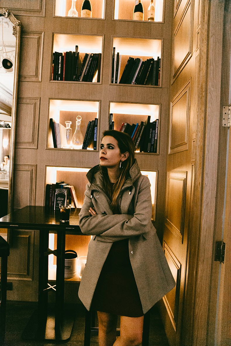 Fay_Double_Life-Coat-Night_Outfit-8
