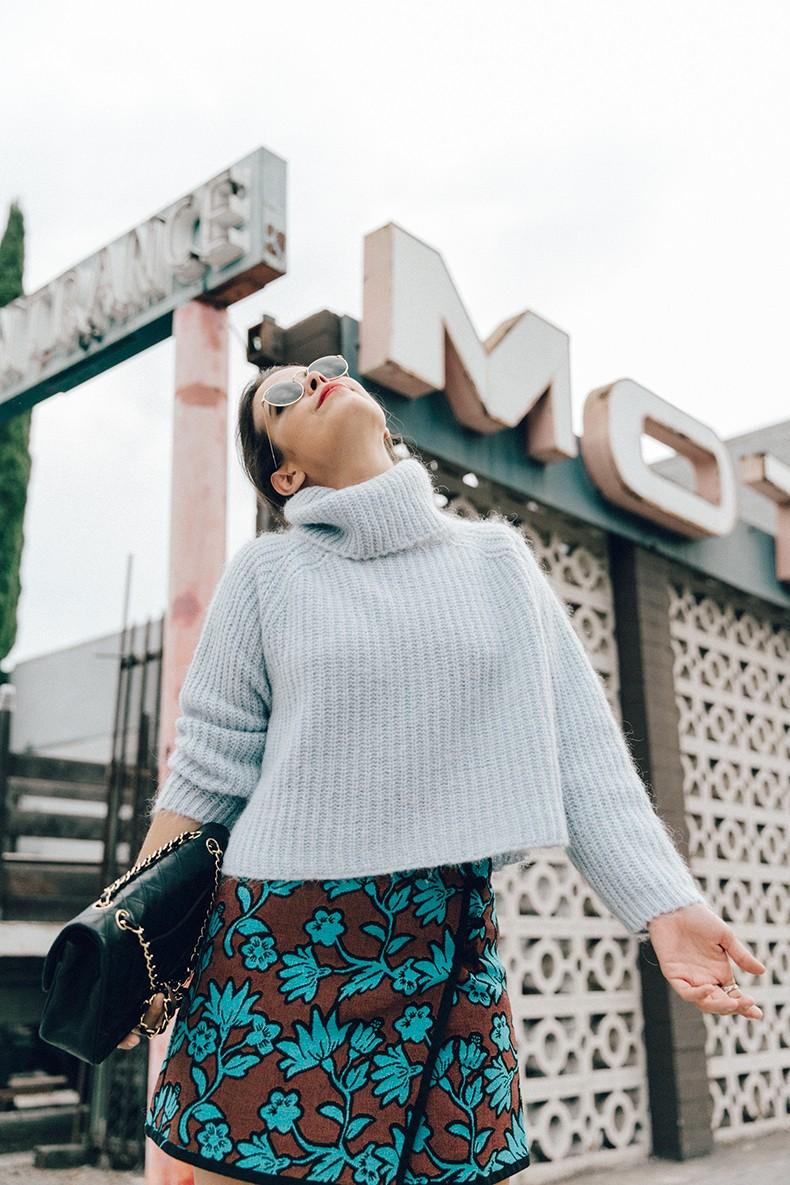 Floral_Skirt-Blue_Knit-Light_Blue-Chanel_Shoes-Chanel_Bag-Outfit-LA-14