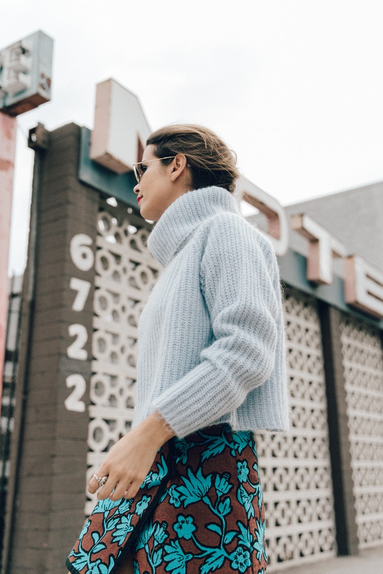 Floral_Skirt-Blue_Knit-Light_Blue-Chanel_Shoes-Chanel_Bag-Outfit-LA-16