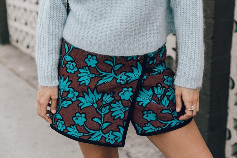 Floral_Skirt-Blue_Knit-Light_Blue-Chanel_Shoes-Chanel_Bag-Outfit-LA-53