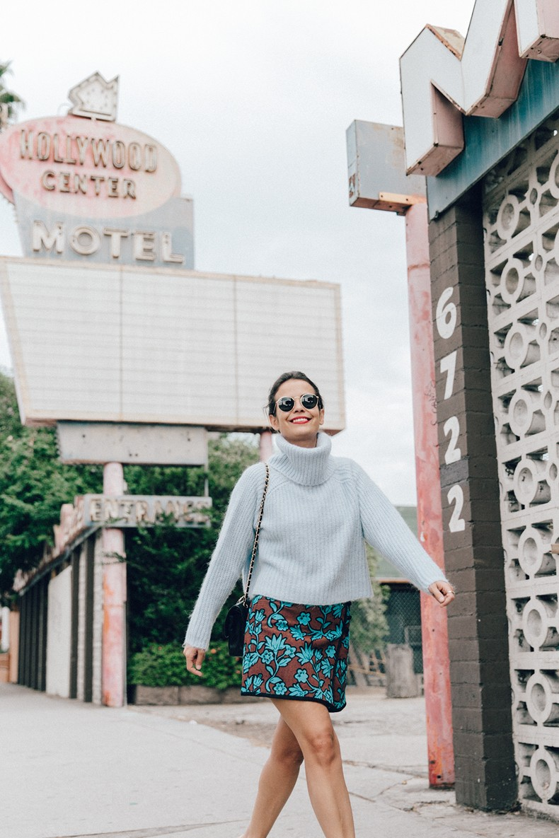 Floral_Skirt-Blue_Knit-Light_Blue-Chanel_Shoes-Chanel_Bag-Outfit-LA-6