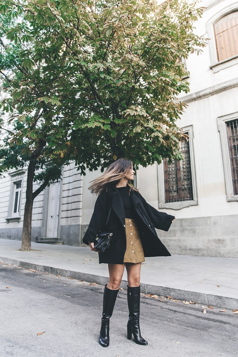 High_Boots-Suede_Skirt-Iro_Paris-Black_Jacket-Off_The_Shoulders_Sweater-Outfit-Street_Style-23