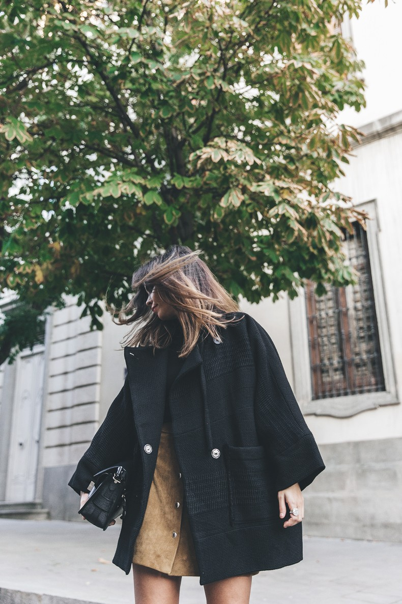 High_Boots-Suede_Skirt-Iro_Paris-Black_Jacket-Off_The_Shoulders_Sweater-Outfit-Street_Style-30
