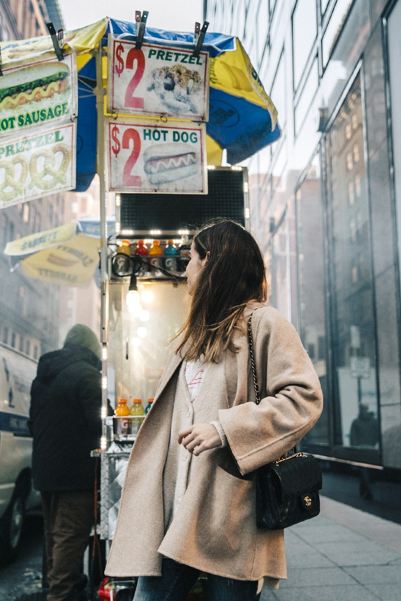 Manhattan-Beige_Cardigan_ASOS-Ripped_Jeans-Billabong_Tee-Superga_Sneakers-Outfit-StreetSTyle-Collage_Vintage-NY-16