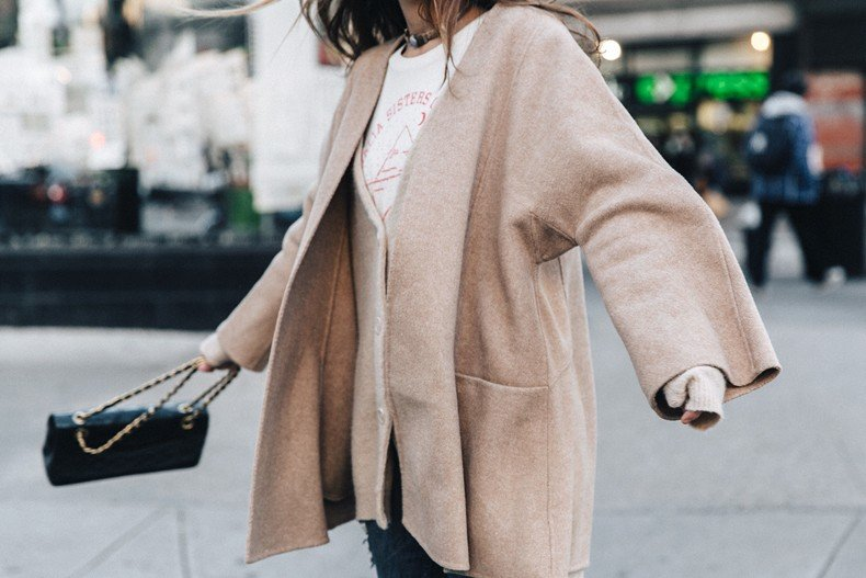 Manhattan-Beige_Cardigan_ASOS-Ripped_Jeans-Billabong_Tee-Superga_Sneakers-Outfit-StreetSTyle-Collage_Vintage-NY-56