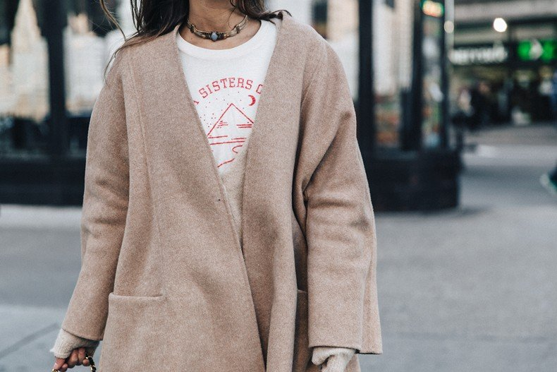 Manhattan-Beige_Cardigan_ASOS-Ripped_Jeans-Billabong_Tee-Superga_Sneakers-Outfit-StreetSTyle-Collage_Vintage-NY-59
