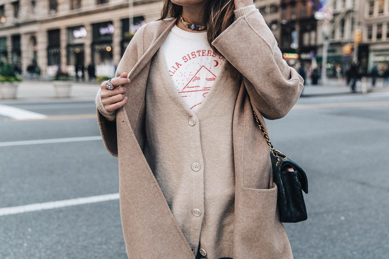 Manhattan-Beige_Cardigan_ASOS-Ripped_Jeans-Billabong_Tee-Superga_Sneakers-Outfit-StreetSTyle-Collage_Vintage-NY-62