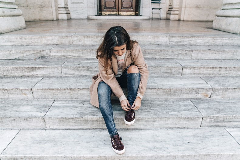 Manhattan-Beige_Cardigan_ASOS-Ripped_Jeans-Billabong_Tee-Superga_Sneakers-Outfit-StreetSTyle-Collage_Vintage-NY-70