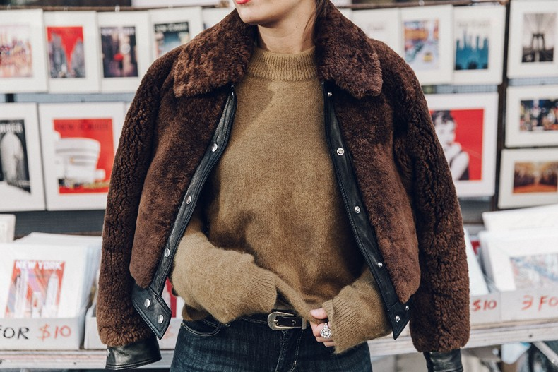 Museum_Mile-Faux_Fur_Jacket-Guess_Jeans-Sneakers-Outfit-Street_Style-NY_New_York-46