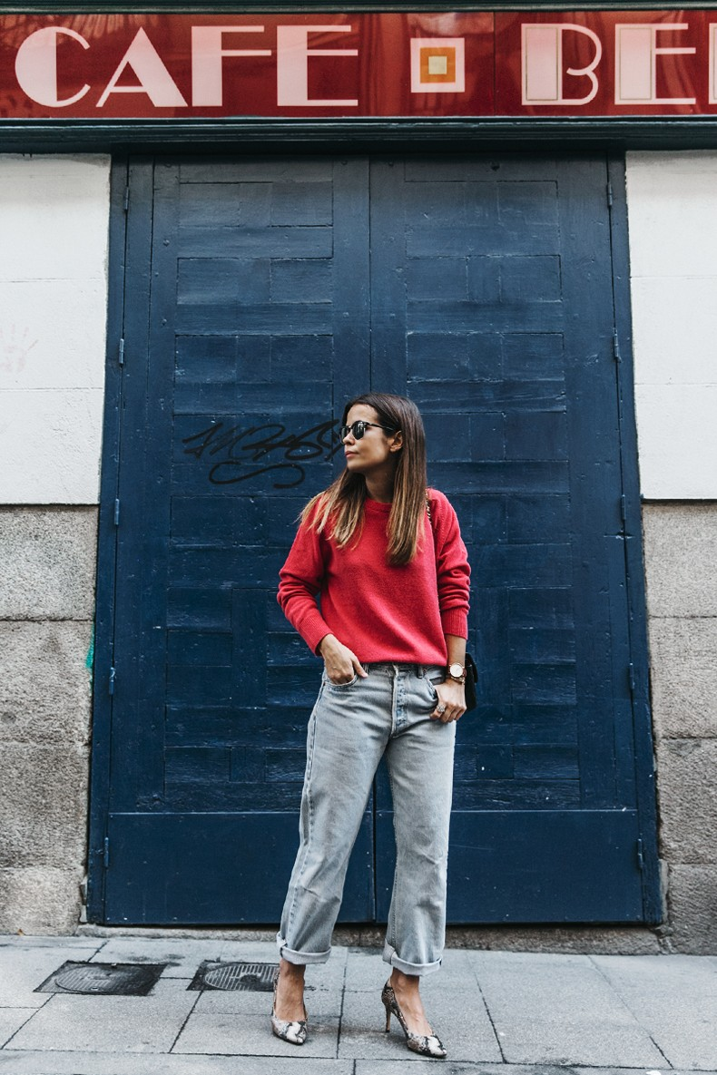 Pink_Sweater-LEvis_Vintage-Snake_Shoes-Chanel_Bag-Casual_Look-Outfit-Street_Style-Collage_Vintage-11