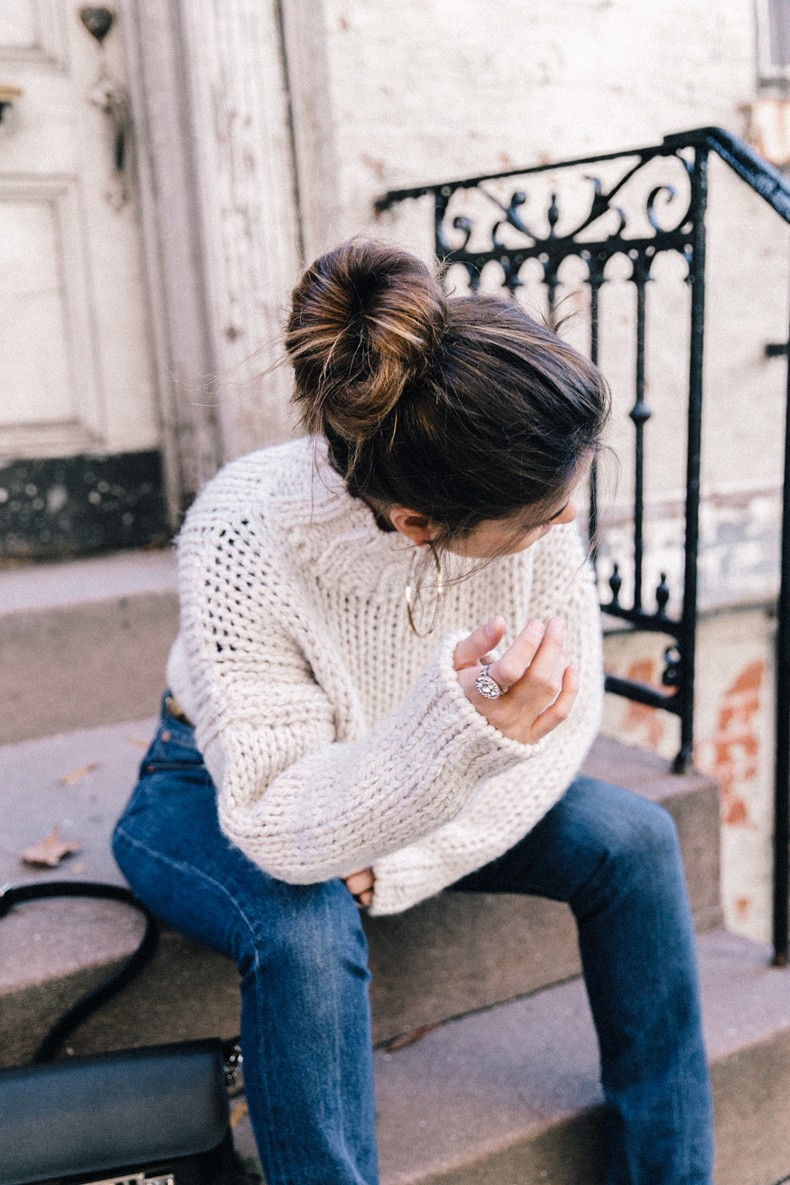 White_Knitwear-Turtleneck-Levis_Vintage-The_Reformation-Vintage_Belt-Proenza_PS11_Bag-Outfit-New_York-Collage_Vintage-Street_Style-13