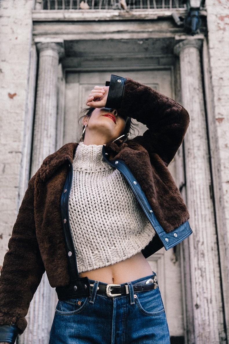White_Knitwear-Turtleneck-Levis_Vintage-The_Reformation-Vintage_Belt-Proenza_PS11_Bag-Outfit-New_York-Collage_Vintage-Street_Style-39