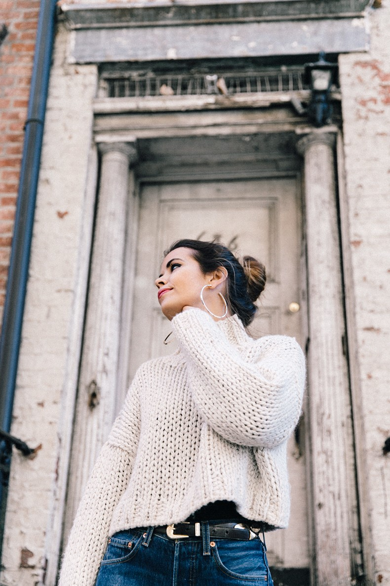 White_Knitwear-Turtleneck-Levis_Vintage-The_Reformation-Vintage_Belt-Proenza_PS11_Bag-Outfit-New_York-Collage_Vintage-Street_Style-4