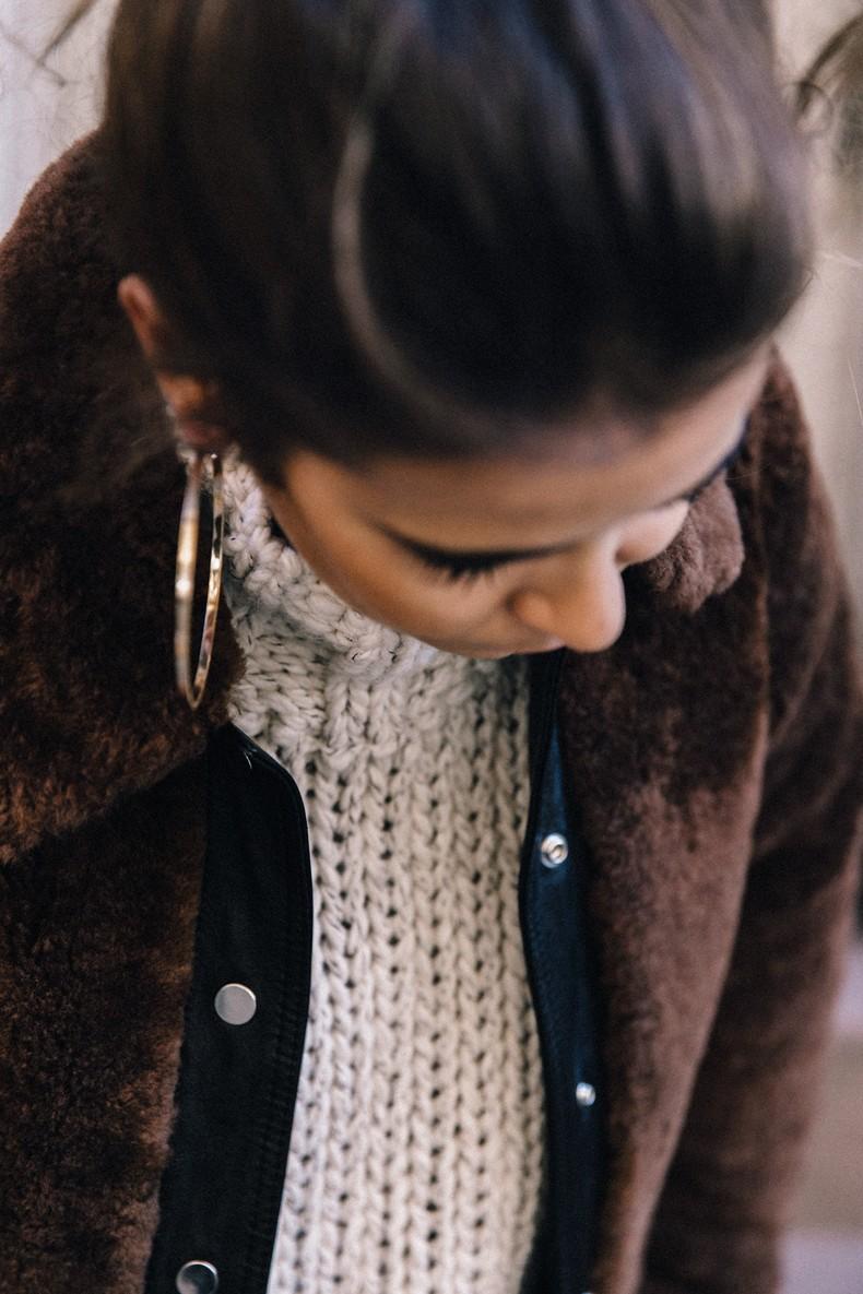 White_Knitwear-Turtleneck-Levis_Vintage-The_Reformation-Vintage_Belt-Proenza_PS11_Bag-Outfit-New_York-Collage_Vintage-Street_Style-40