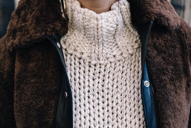 White_Knitwear-Turtleneck-Levis_Vintage-The_Reformation-Vintage_Belt-Proenza_PS11_Bag-Outfit-New_York-Collage_Vintage-Street_Style-53