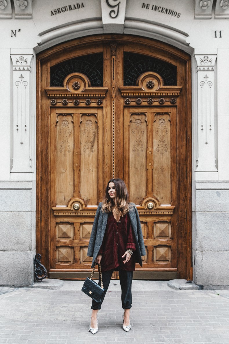 Burgundy_Cardigan-Oversize-Grey_Blazer-Grey_trousers-Isabel_Marant-Shoes-Chanel_Vintage_Bag-Lace_Bra-Layering_Necklaces-Maria_Pascual-Collage_Vintage-Outfit-Street_Style-