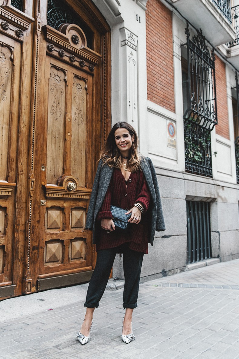 Burgundy_Cardigan-Oversize-Grey_Blazer-Grey_trousers-Isabel_Marant-Shoes-Chanel_Vintage_Bag-Lace_Bra-Layering_Necklaces-Maria_Pascual-Collage_Vintage-Outfit-Street_Style-10