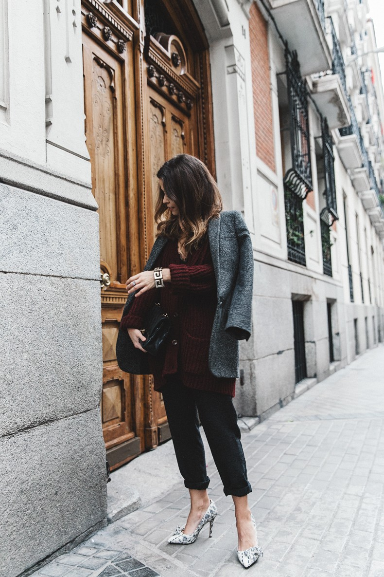 Burgundy_Cardigan-Oversize-Grey_Blazer-Grey_trousers-Isabel_Marant-Shoes-Chanel_Vintage_Bag-Lace_Bra-Layering_Necklaces-Maria_Pascual-Collage_Vintage-Outfit-Street_Style-13