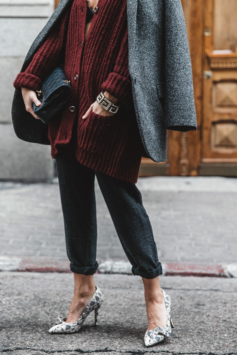 Burgundy_Cardigan-Oversize-Grey_Blazer-Grey_trousers-Isabel_Marant-Shoes-Chanel_Vintage_Bag-Lace_Bra-Layering_Necklaces-Maria_Pascual-Collage_Vintage-Outfit-Street_Style-234