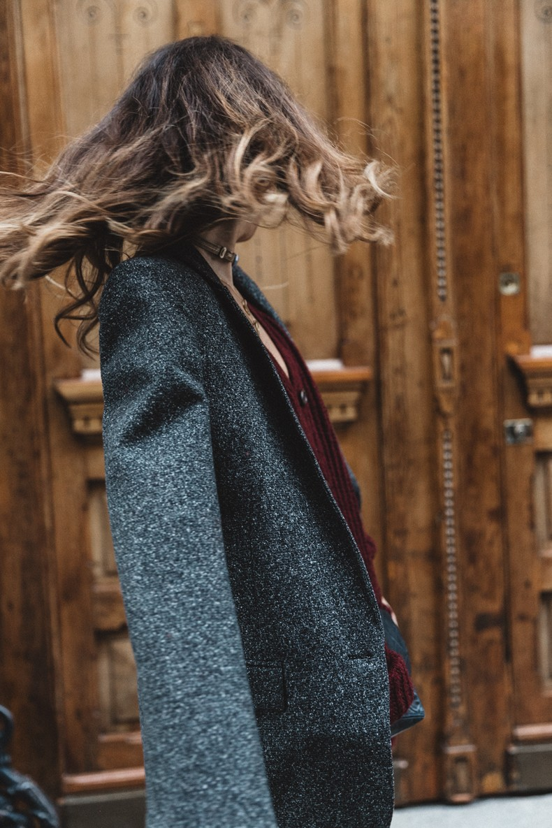 Burgundy_Cardigan-Oversize-Grey_Blazer-Grey_trousers-Isabel_Marant-Shoes-Chanel_Vintage_Bag-Lace_Bra-Layering_Necklaces-Maria_Pascual-Collage_Vintage-Outfit-Street_Style-30