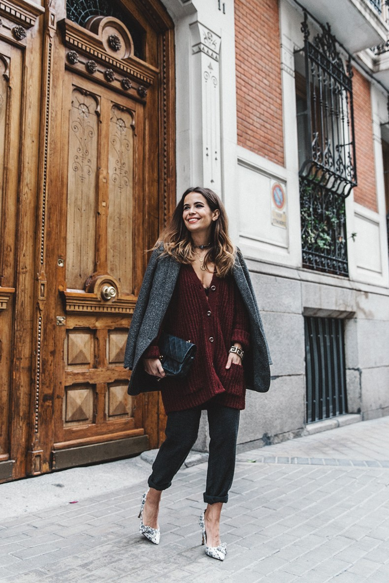 Burgundy_Cardigan-Oversize-Grey_Blazer-Grey_trousers-Isabel_Marant-Shoes-Chanel_Vintage_Bag-Lace_Bra-Layering_Necklaces-Maria_Pascual-Collage_Vintage-Outfit-Street_Style-9