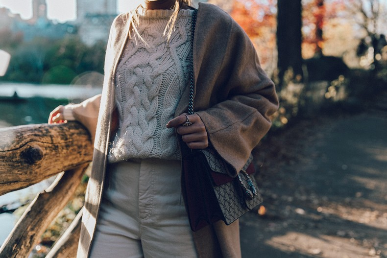 Central_Park-Beige_Coact-Gucci_Bag-Superga_Sneakers-Culottes-Nude_Outfit-Collage_Vintage-Street_Style-53
