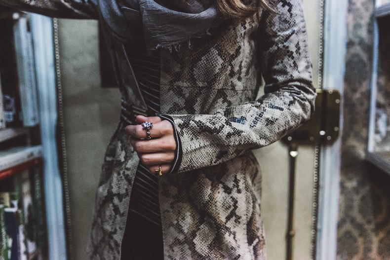 Edited-Snake_Effect_Blazer-Belted_Jacket-Striped_Top-Trousers-Outfit-Street_Style-49