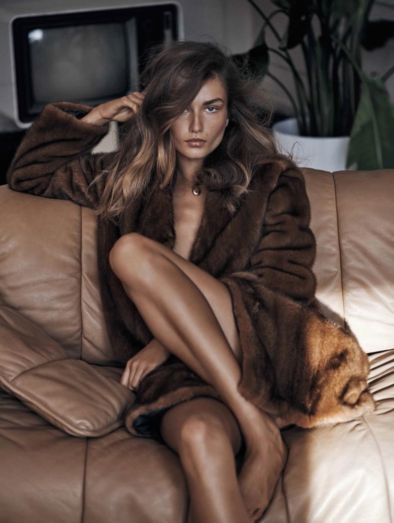 Editorial-Andreea-Diaconu-Vogue-China-November-2015-6