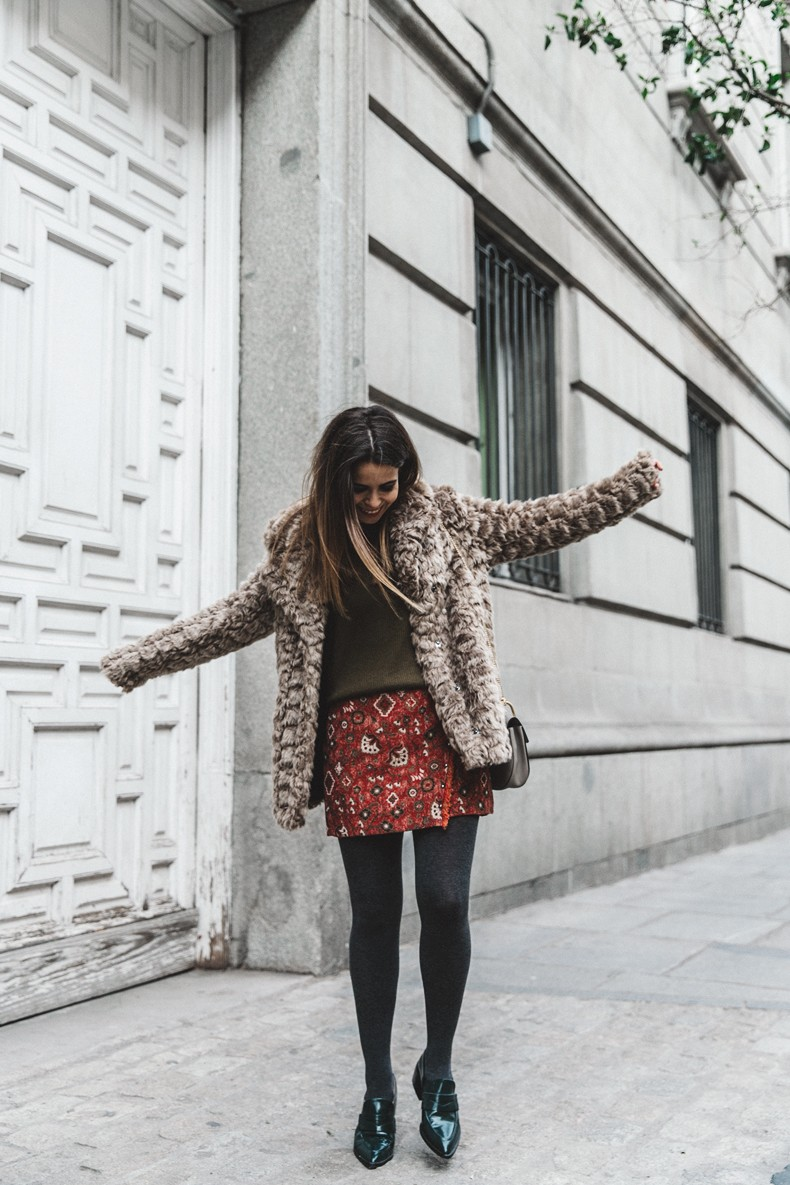 Faux_Fur_Coat-Boho_Skirt-Formula_Joven-Loafers-Outfit-Street_Style-Collage_Vintage-14
