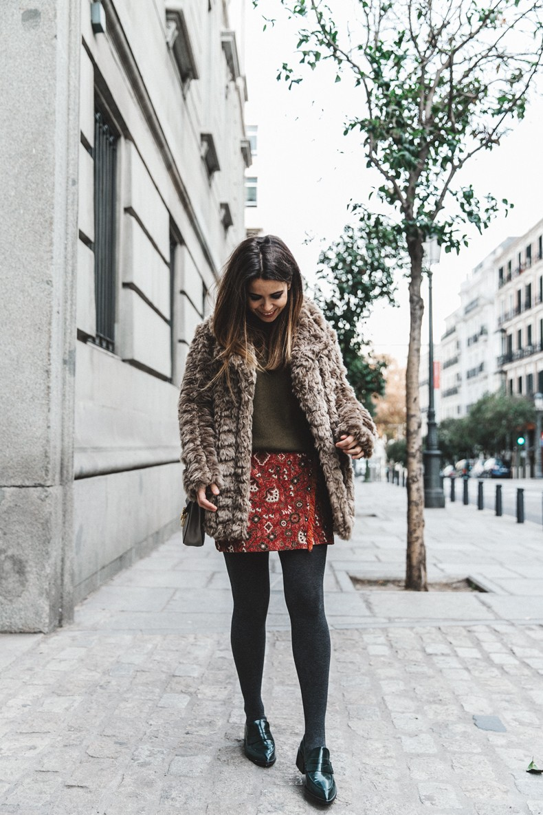Faux_Fur_Coat-Boho_Skirt-Formula_Joven-Loafers-Outfit-Street_Style-Collage_Vintage-18
