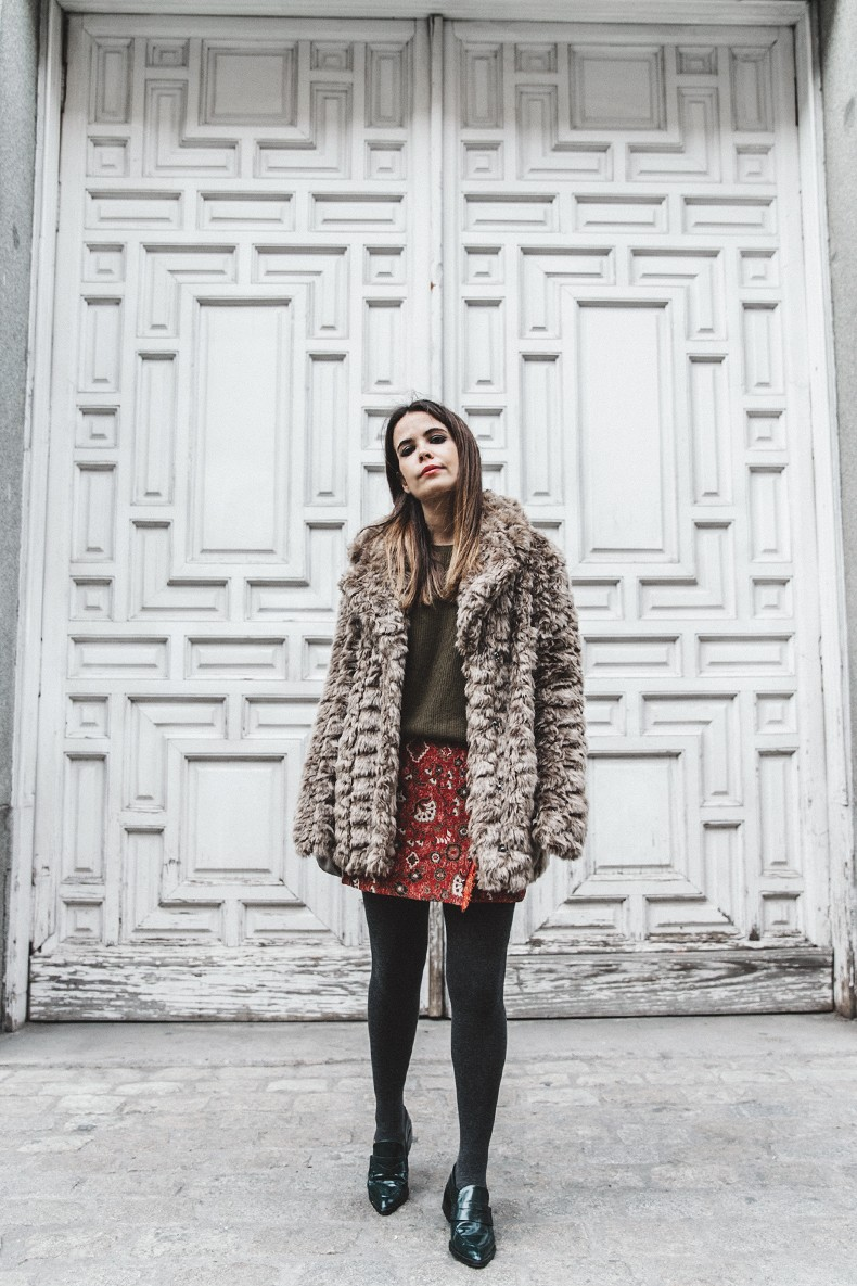 Faux_Fur_Coat-Boho_Skirt-Formula_Joven-Loafers-Outfit-Street_Style-Collage_Vintage-20