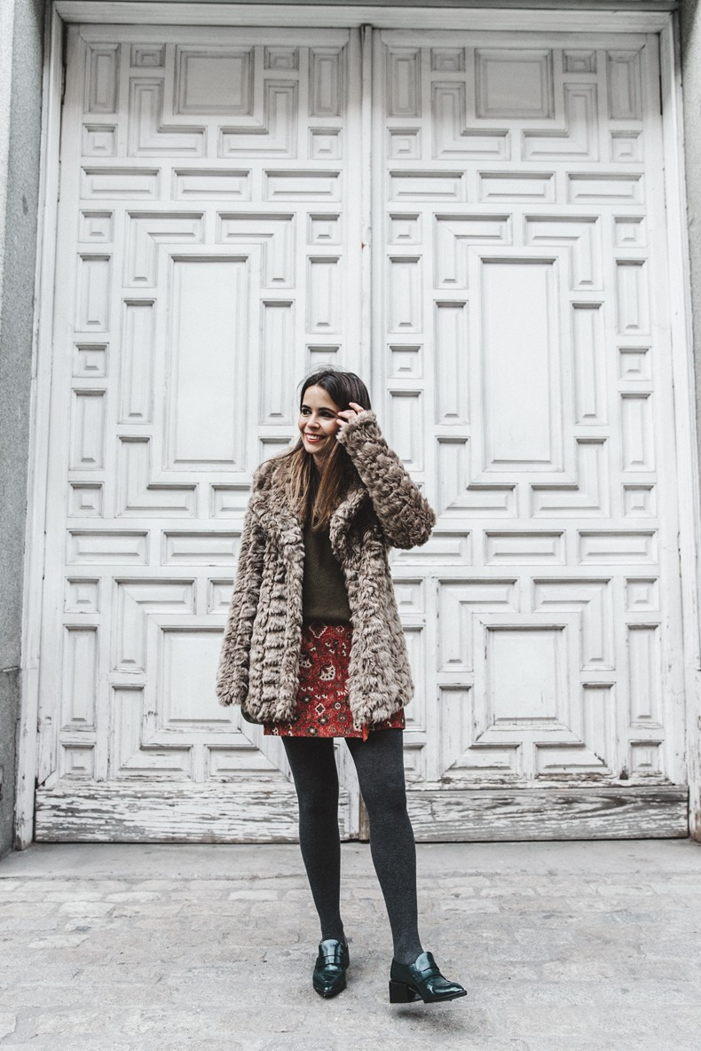 Faux_Fur_Coat-Boho_Skirt-Formula_Joven-Loafers-Outfit-Street_Style-Collage_Vintage-24
