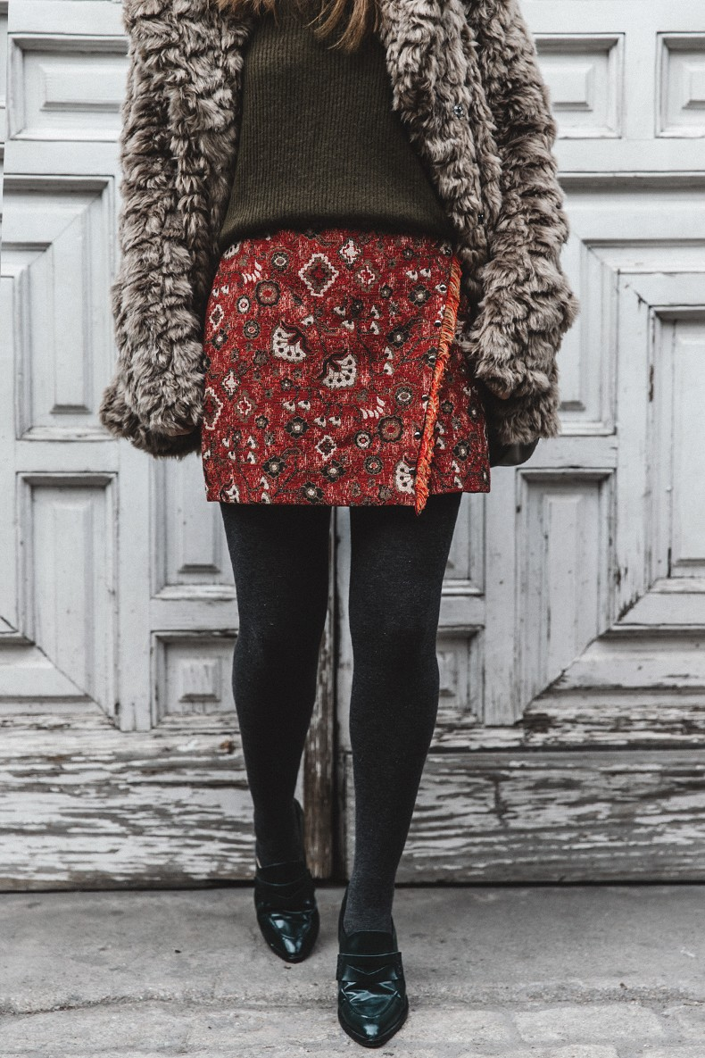 Faux_Fur_Coat-Boho_Skirt-Formula_Joven-Loafers-Outfit-Street_Style-Collage_Vintage-42