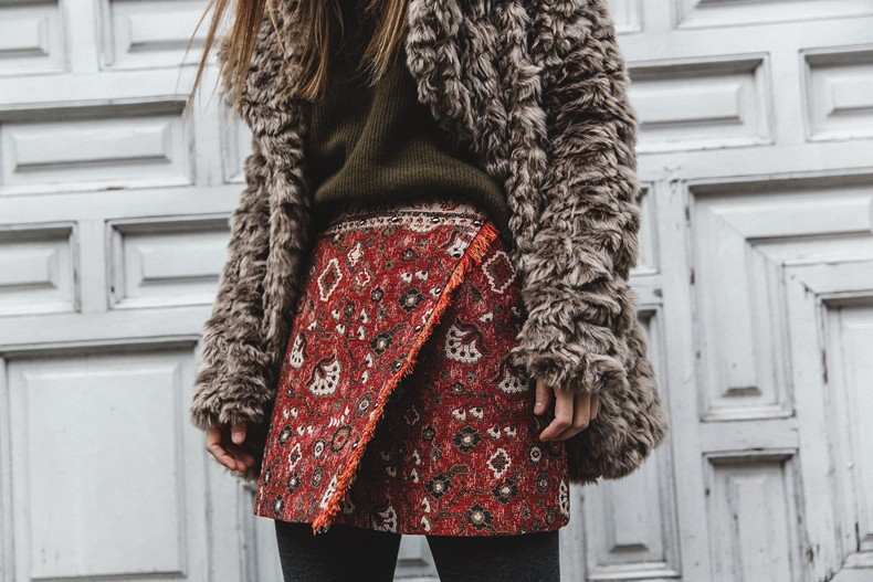 Faux_Fur_Coat-Boho_Skirt-Formula_Joven-Loafers-Outfit-Street_Style-Collage_Vintage-80