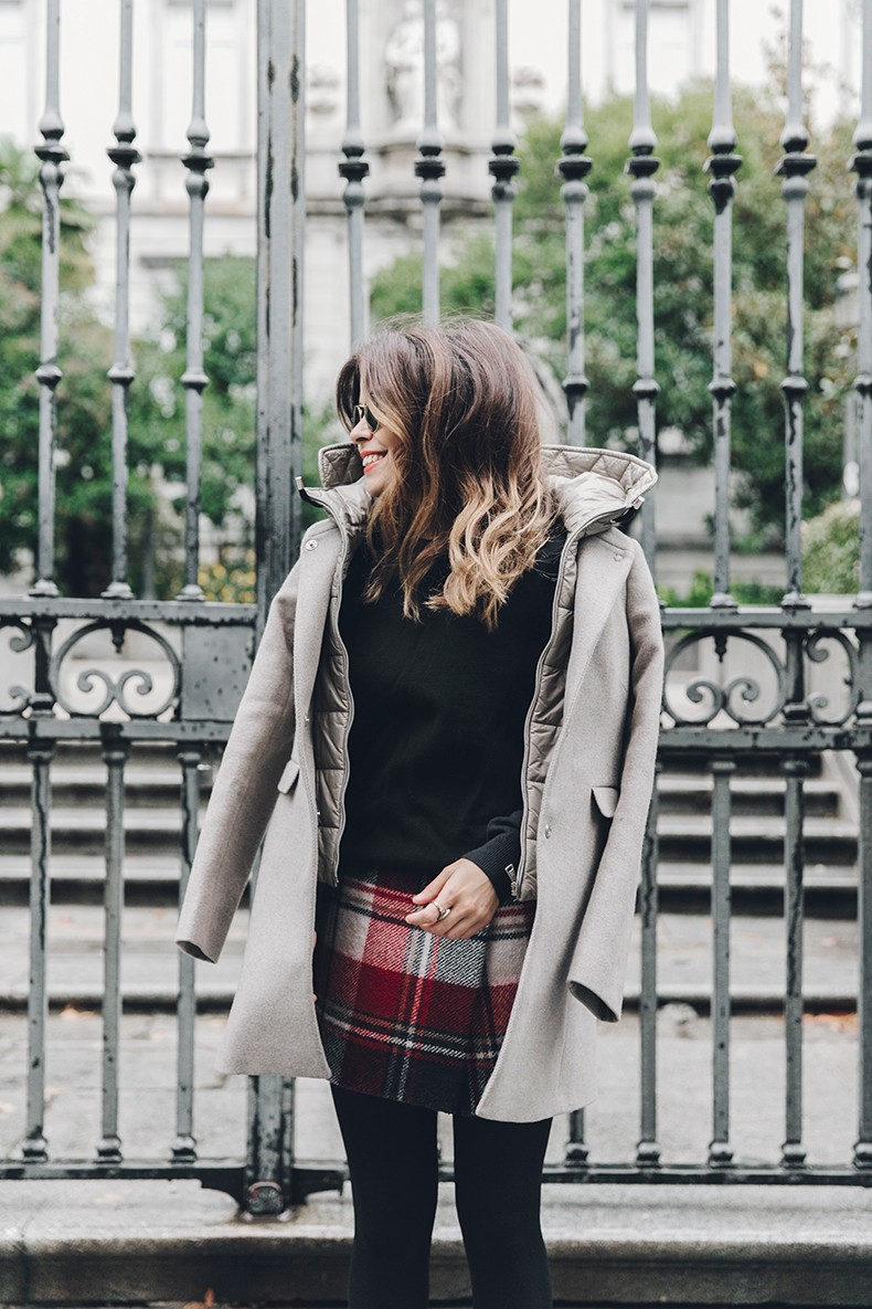 Fay_Coat-Beige_Coat-Checked_Skirt-Blue_Sweater-College_Look-Loafers-Outfit-Street_Style-Collage_Vintage-18