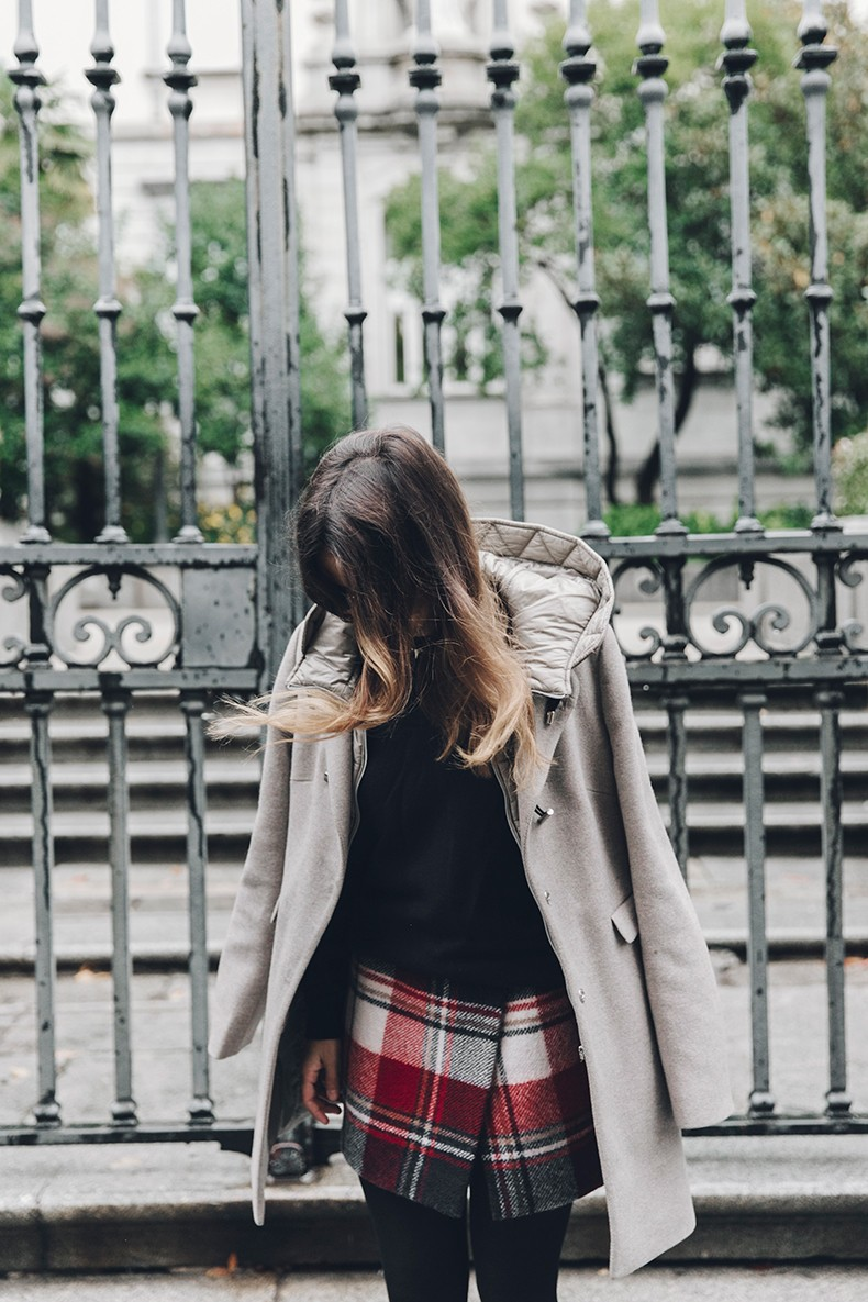 Fay_Coat-Beige_Coat-Checked_Skirt-Blue_Sweater-College_Look-Loafers-Outfit-Street_Style-Collage_Vintage-19