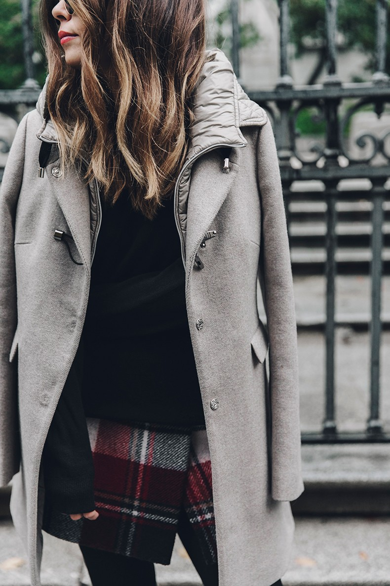Fay_Coat-Beige_Coat-Checked_Skirt-Blue_Sweater-College_Look-Loafers-Outfit-Street_Style-Collage_Vintage-29
